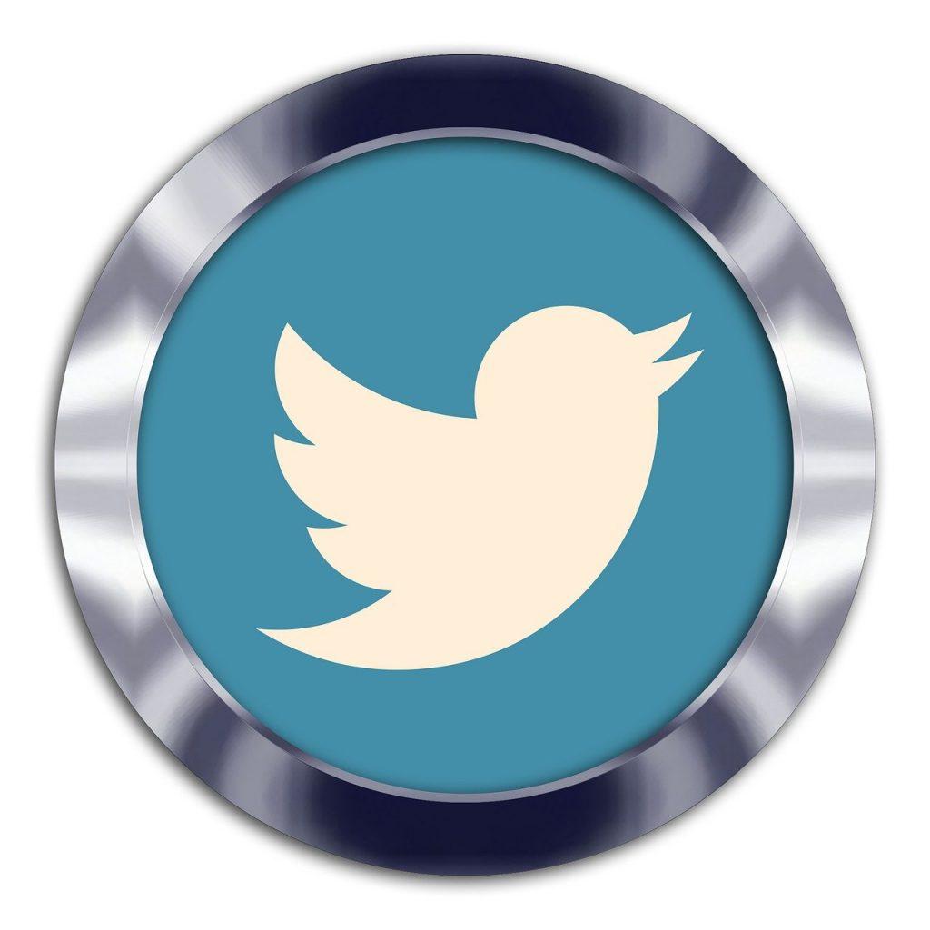 twitter, tweet, social-2815914.jpg